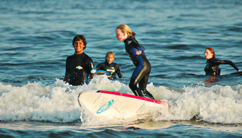 surf-lessons-family